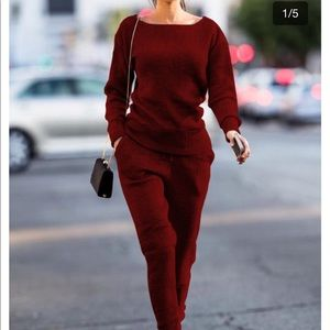 Casual knitted suit set in the color wine red